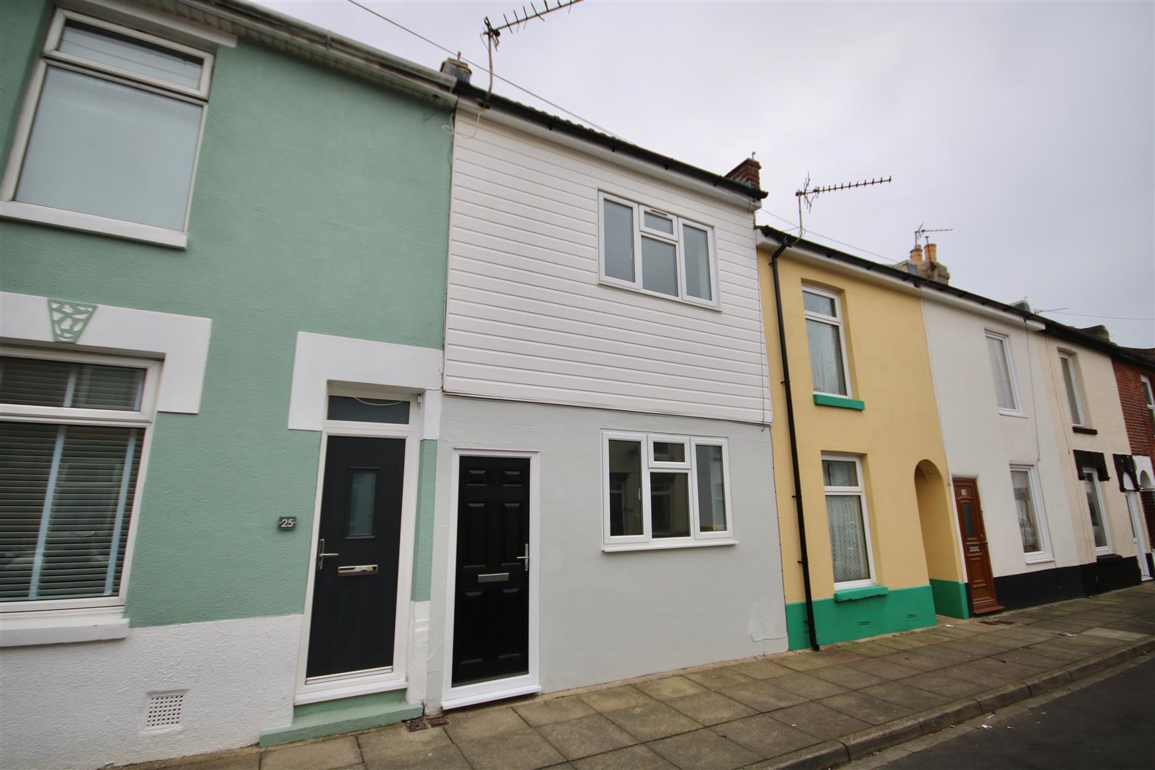 2 Bedrooms Terraced House for sale in Wainscott Road, SOUTHSEA, Portsmouth, Hampshire